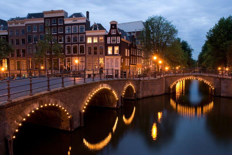 travel hack amsterdam free flights budget